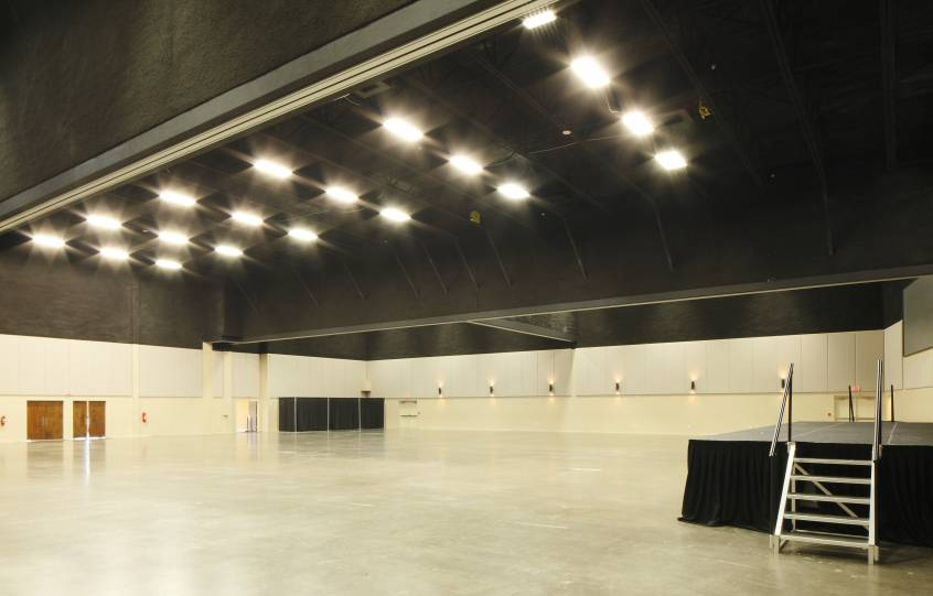 Main area inside of the Orange Beach Event Center with no dividers