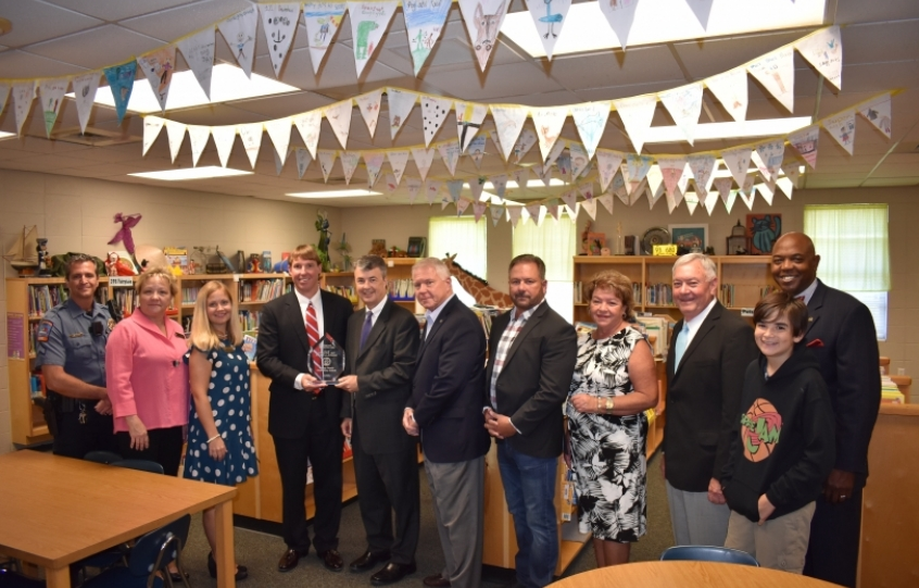 Group photo in Orange Beach Elementary library after Alabama Attorney General Steve Marshall presented the 2018 Safe Schools Award to Orange Beach Elementary
